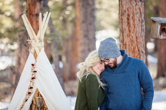 teepee-engagement-styled-shoot